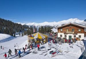 Kleine Skigebiete, große Infrastruktur: Die Tiroler Zugspitz Arena startet mit drei Neuheiten in die Wintersaison 2013/2014. - Foto: Tiroler Zugspitz Arena/Uli Wiesmeier