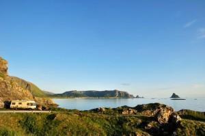 Andøya, Kleivodden und Blick auf Bleik. - Foto: Steinar Skaar