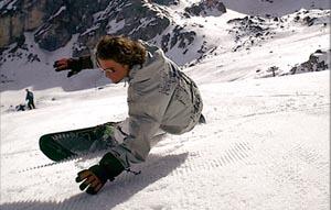 Snowboarder haben es auch nicht immer leicht. - Foto: Dolomiti Superski