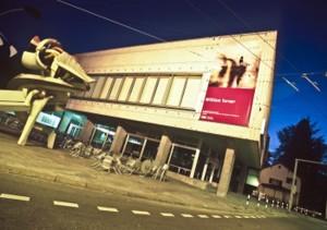 Zürich, hier das Kunsthaus, zählt zu den führenden Kunsthandelsstädten der Welt. - Foto: Zürich Tourismus