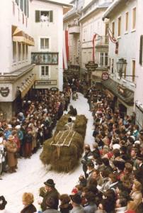 """Das Pinzgauer """"Trachtenschlitten- und Brauchtumsfest""""in Zell am See beginnt am 2. Februar um 13 Uhr. - Foto: Zell am See-Kaprun Tourismus GmbH"""