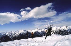 """Vorsicht! """"Fliegende"""" Snowboarder"""