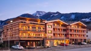 Das Hotel Post in Zell am Ziller wurde mit dem Österreichischen Umweltzeichen und dem EU Eco Label ausgezeichnet; der Skibus hält direkt vor dem Haus