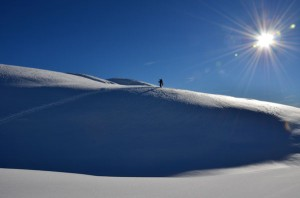 Ein wunderschöner Skihang in Südtirol.