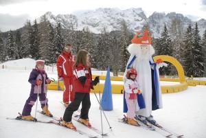 Auf König Laurins Spuren – Kinder sind im Skigebiet Carezza bestens aufgehoben. – Foto: Eggental Tourismus