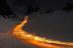 Die längste Fackelabfahrt der Welt vom Titlis-Gletscher ist zwölf Kilometer lang. - Foto: Engelberg-Titlis