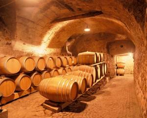 In der Sektkellerei Haderburg lernen Teilnehmer der Wein-Safari mit Frauenpower am 6. März die Sektproduktion nach Champagnermethode kennen.- Foto: Weingut Haderburg