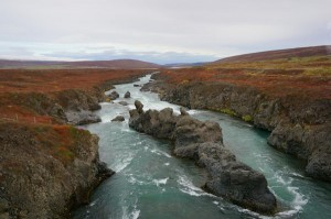 Isländische Flusslandschaft.