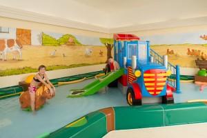 """Das Kinderhallenbad """"Planschen auf dem Bauernhof""""."""