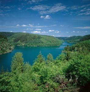Die Ködeltalsperre bei Nordhalben ist ein Etappenziel beim Wandermarathon am 10. Mai. - Foto: Frankenwald Tourismus