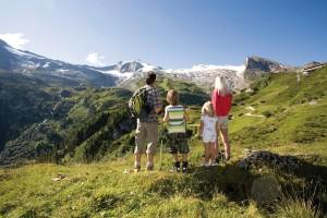 Einzigartiger Fernblick auf die Hintertuxer Gletscherwelt. - Foto: Tourismusverband Tux-Finkenberg
