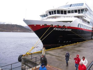 "Das Hurtigruten-Schiff ""MS Trollfjord"". Foto: Sabine Umla-Latz"