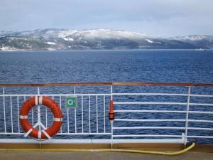 Berge oder Meer im Urlaub? Mit den Hurtigruten kann man beides haben. Foto: Sabine Umla-Latz