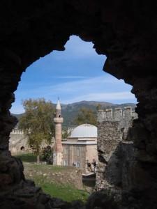 Moschee in einer Burgruine bei Anamur, dem südlichsten Punkt der Türkei. Foto: Thomas Bauer