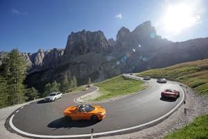 Mit Elektroautos geht es am 13. und 14. September über die Dolomitenpässe. - Foto: Freddy Planinschek