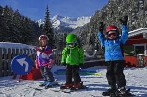 Praktischer geht es kaum: Der Hang für die Skianfänger ist gleich neben dem Hotel.