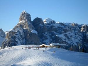 Schroff und unnahbar sind die Gipfel, hier der Sassongher.