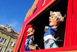 Family Festival 2015: Archaisches und Modernes vereint sich in der Fantasie der großen und kleinen Zuschauer. Die Tradition des Puppentheaters feiert in Bozen ihre Renaissance. – Foto: Verkehrsamt der Stadt Bozen