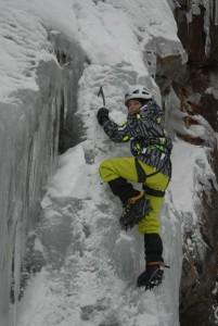 Auch ganz junge Eiskletterer beweisen Mut. – Foto: TVB Pitztal