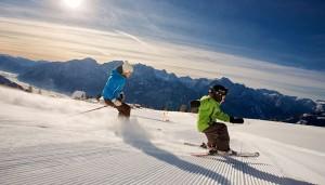 Lienz punktet im März mit drei attraktiven Ski-Angeboten – das freut nicht nur Familien. – Foto: Osttirol Werbung / Martin Lugger