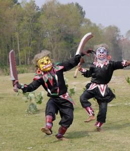 Ein Maskentanz der Majuli.