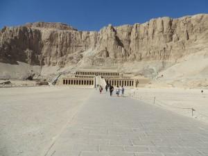... der Hatshepsut in der Nähe von Luxor. Fotos: Gisela Marzin