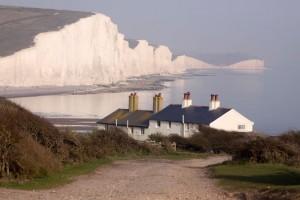 Der malerische Ort Eastbourne an der Südküste Englands ist ein beliebtes Ziel bei Sprachreisenden. Foto: © istock.com/ DavidCallan