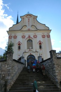 Die barocke Pfarrkirche von St. Leonhard zählt zu den schönsten Südtirols. – Foto: Dieter Warnick