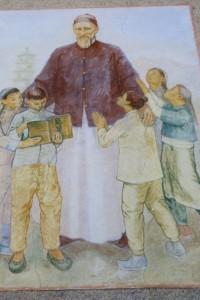 Josef Freinademetz, hier ein Bildnis an einer Hauswand, war ein katholischer Ordensmann und China-Missionar. Er wurde am 5. Oktober 2003 heiliggesprochen. – Foto: Dieter Warnick