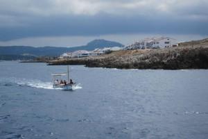 Ein Bootsausflug ist bei auch einheimischen Familien beliebt.