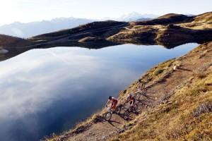 """Der Pfaffensee am Watles im Vinschgau zählt zu den landschaftlich reizvollsten Stationen des """"Ortler Bike Marathon"""". - Foto: Ortler Bike Marathon / Sabine Jacob"""