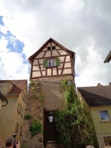 Im Lindleinturm in Creglingen ist ein Kleinstmuseum untergebracht. – Foto: Dieter Warnick