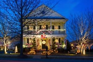 Eine üppige Weihnachtsbeleuchtung darf in Amerika nicht fehlen. Foto: © istock.com/Craig McCausland