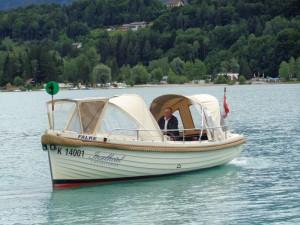 : Schon die dreiminütige Bootsfahrt mit dem Wasser-Taxi des Inselhotels entschleunigt und bringt die Besucher in eine andere Welt. – Foto: Dieter Warnick
