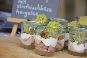 Alpine Haute Cuisine – bei den Kulinarik & Kunst Tagen in St. Anton am Arlberg geben sich die fünf Top-Hotels Tannenhof, Arlberg Hospiz, Schwarzer Adler, Waldhof und Sonnbichl die Ehre. - Foto: Judith Volker