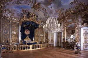 Das prunkvolle Schlafzimmer von Ludiwg II. in Schloss Linderhof. - Foto: Bayerische Schlösserverwaltung