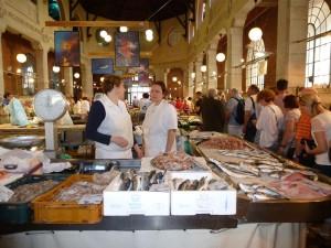 : Der Fischmarkt von Rijeka bietet ein üppiges Angebot an frischem Fisch und Meeresfrüchten. – Foto: Anke Sieker