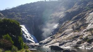 Der Èzaro-Wasserfall.
