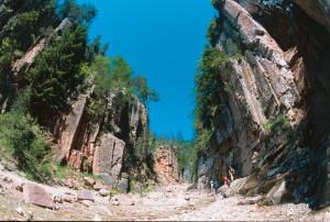 """Die Bletterbachschlucht, der """"Grand Canyon Südtirols"""", ist ein Wunder der Natur."""