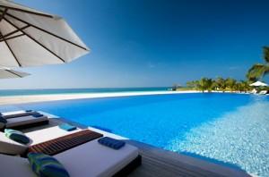 Entspannen im Urlaub heißt Stress vermeiden und die Seele baumeln lassen. Richtige Vorbereitung ist dabei das A und O. Foto: Fashion ID