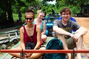 """Vor der Zugfahrt auf dem """"Bambuszug"""" in Battambang."""