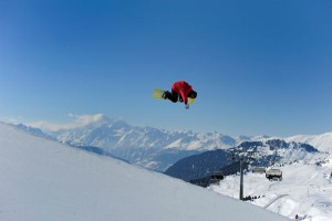 Gigantische Sprünge vor prächtiger Bergkulisse sind im Wallis möglich. - Foto: tourisme.valais.ch
