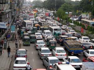 Volle Straßen in Dhaka.
