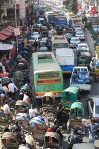 Der Verkehr in Dhaka.