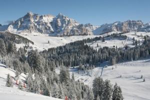 Bei diesem Blick gehen nicht nur die Herzen der Skifahrer auf. - Foto: Tourismusverband Alta Badia