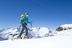 266 Dreitausender sprechen für sich: Osttirol bietet mit seiner hochalpinen Natur schon ab Anfang Dezember sichere Schneebedingungen. Unter ambitionierten Skitourengehern hat sich die Heimat von Großglockner und Großvenediger daher schon lange etabliert. - Foto: TVB Osttirol/Seebacher