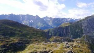 Blick über das Gotthardmassiv gen Italien.