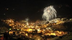 Das Silvester-Feuerwerk in St. Ulrich hinterlässt einen nachhaltigen Eindruck. - Foto: Val Gardena-Gröden Marketing