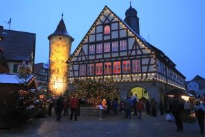 Die Orte im Lieblichen Taubertal strahlen in der Weihnachtszeit einen ganz besonderen Reiz aus. - Foto: Tourismusverband Liebliches Taubertal/Peter Frischmuth