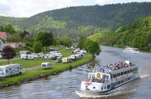 Auch in Deutschland gibt es sehr viele Möglichkeiten für einen gepflegten Camping-Urlaub - wie hier in Neckargmünd. Foto: @ LeBaillif (CC0-Lizenz)/ pixanay.com